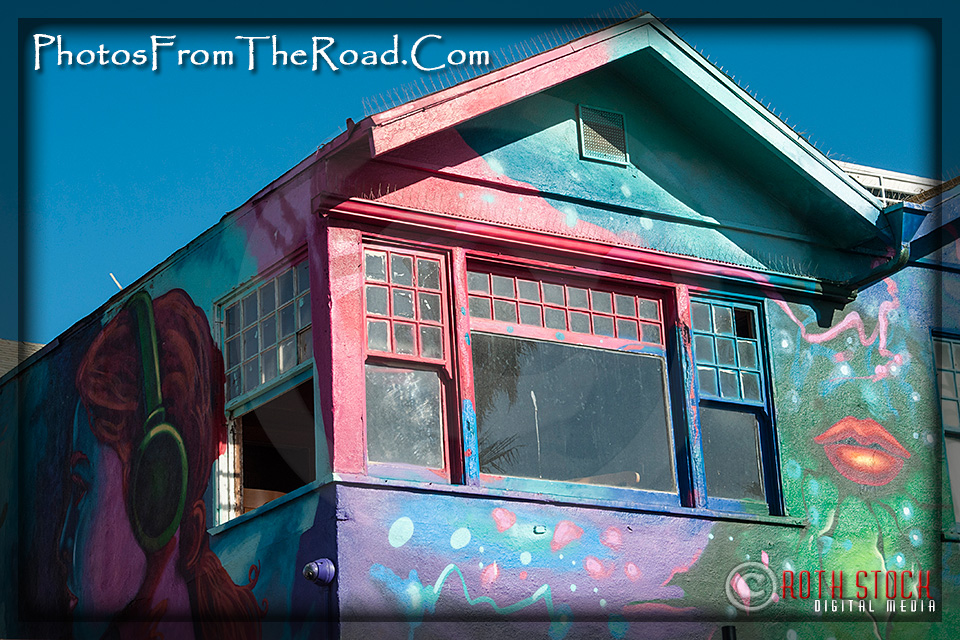 Colorful Residence on the Venice Beach Boardwalk